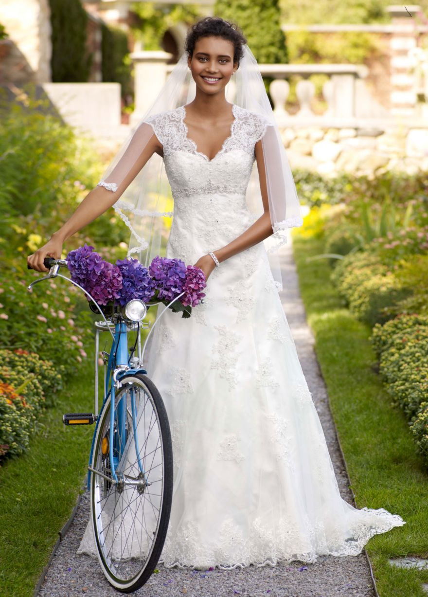 Fashion Friday: Cool Bridal Fun Facts