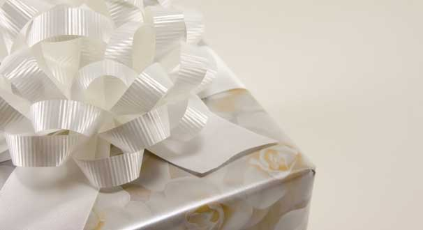 Etiquette For Wedding Gift Amount : Confused about wedding gift giving (and getting)? Youre not alone!