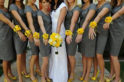 Bright Bridal Idea Bridesmaid Corsages