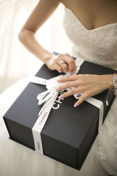 Couples exchanging gifts on their wedding day: Yay or Nay