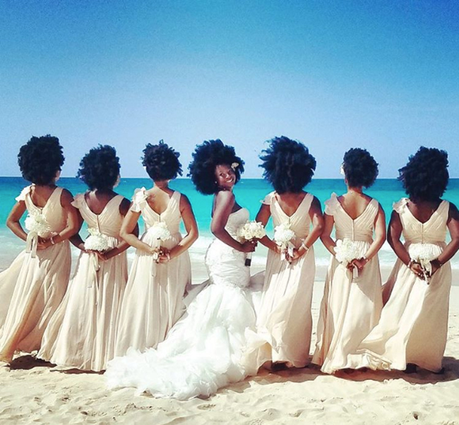 Natural bride, Nakyia Whitty encourages bridal party to own their fro !